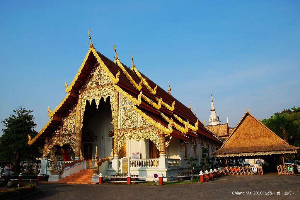 《清迈寺庙巡礼》Wat Phra Singh 帕邢寺:清迈古城内香火最鼎盛的寺庙。