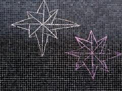 (Gabri Le Cabri) Tags: pink black paris tile chalk jimbo 75018 compassrose paris18