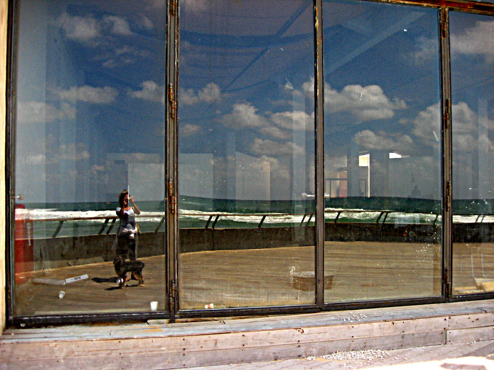 07-05-2011-me-klaas-and-the-reflection-of-the-sea