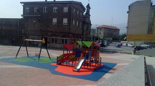 Columpios Parque Intantil. Plaza Burtzeña II.Barakaldo