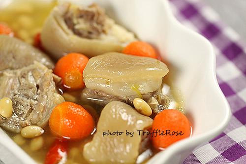 吃了會ㄉㄨㄞㄉㄨㄞ的黃豆豬尾湯-110615