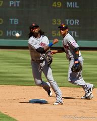 Jose Reyes throws to first for the double play (512Photoz) Tags: arlington baseball texasrangers newyorkmets 14x 70200lf28 canon7d txsportspix canon7d70200lf28