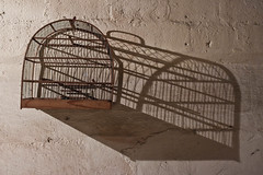 Empty cages, deep shadows (BDiamante Fotos) Tags: deepshadows canont1i1855mmemptycages