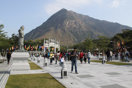 Entrance to the Po Lin Monastery and Tian Tan Buddha