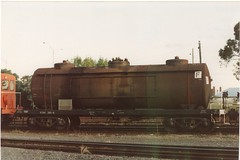 VTQF 301 G Horsham 4/1992 (booksvic) Tags: tank railway vr wagons vline