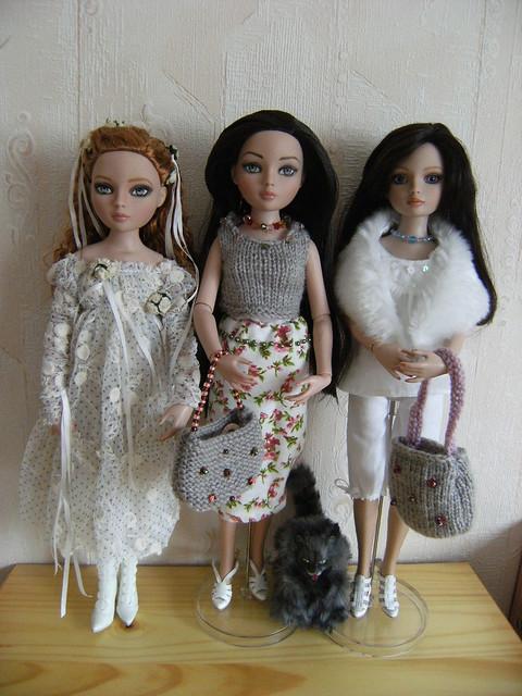 Je vous présente mes filles (I wait Alone, Nevermore et Essentials: WO 3, WO 4, redhead 4, Brunette 4) 5581435193_03b502c1c6_z