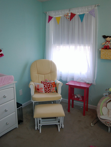Nursery - Chair Corner 02