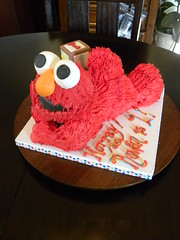 Elmo cake (Tiffany's Baking Co.) Tags: elmocake elmobirthdaycake elmosculptedcake