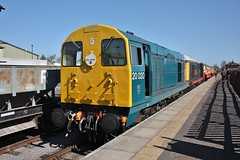 Wensleydale Railway Diesel Gala - Class 20 Deisels Nos. 20020 and 20166 At Leeming Bar Station - 8th April 2011 (allan5819 (Allan McKever)) Tags: uk england heritage station train chopper diesel yorkshire platform rail railway loco passengers locomotive wensleydale 20166 redmire 20020 class20 leemingbar