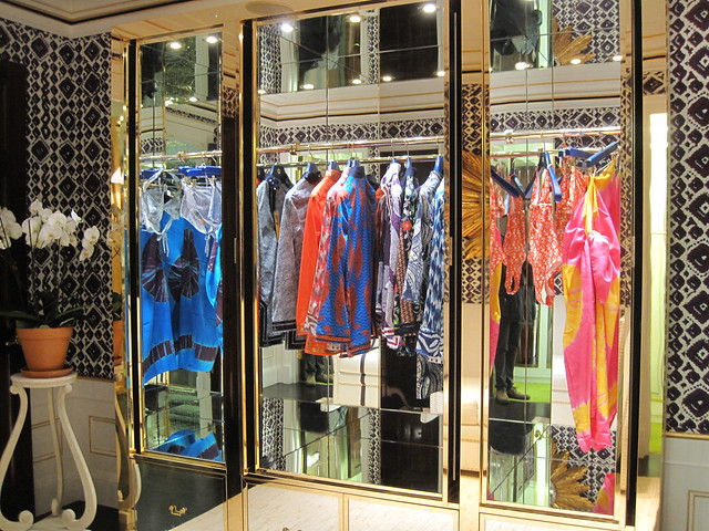 fashion store clothing shoes magasin belts jewelry laden tienda footwear boutique negozio denim accessories scarves handbags luxury apparel sportswear davidhicks womenswear toryburch spring2011