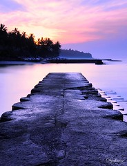 Candidasa morning (Dyahniar Labenski) Tags: morning beach sunrise nikon candidasa publicbeach d90 niar 1024mm seefrommyeyes ikniroviolet dyahniar