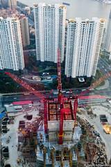 Grand lgo (Reibenberg) Tags: china tower river boat construction nikon asia tour shanghai voiture rivire asie bateau cina chine immeuble chantier hangpu grues shanghaitower rivire d700 reibenberg