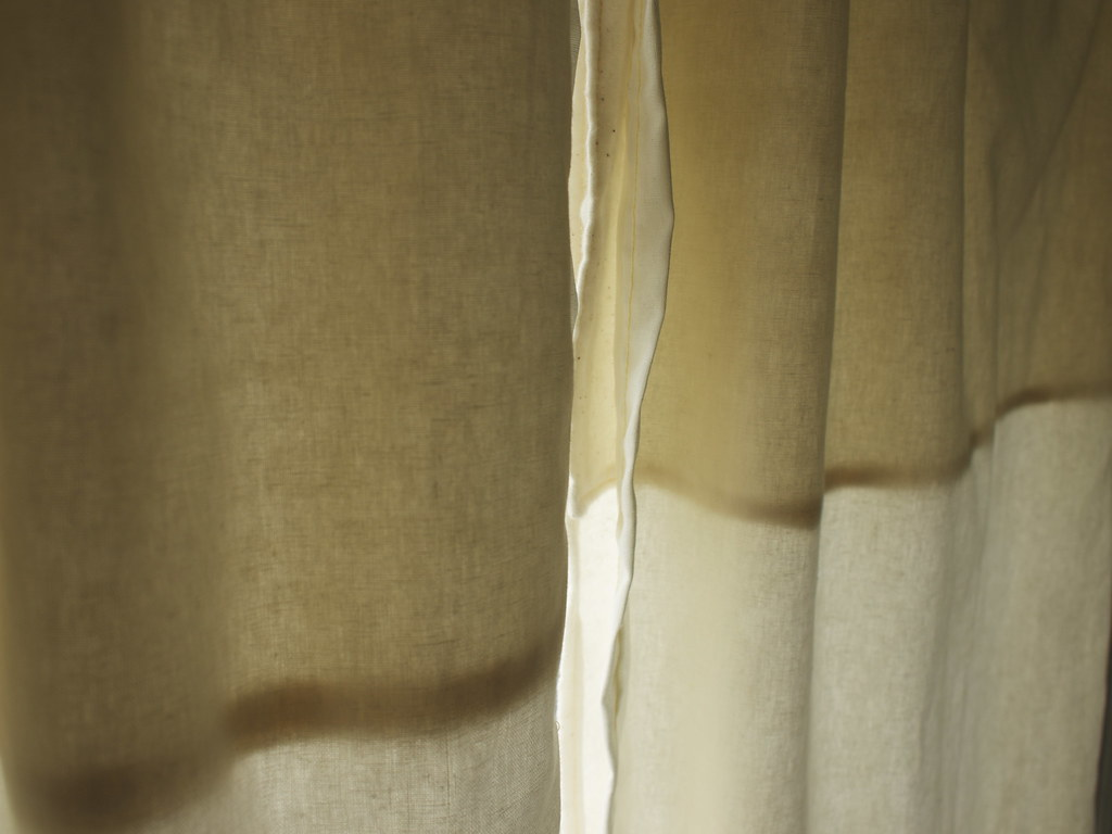 morning curtain.