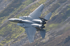 98-0131 F15 Strike Eagle Knife Edge (PhoenixFlyer2008) Tags: wales speed training canon eagle loop hawk low down level valley strike bae raf mach idris f15 googleimages cadair boscombe lakenheath usafe lfa7 neilbates