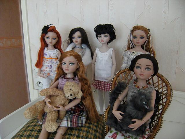 Je vous présente mes filles (I wait Alone, Nevermore et Essentials: WO 3, WO 4, redhead 4, Brunette 4) 5680077646_107df3dccc_z