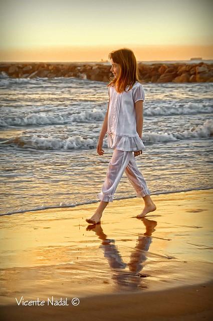 niña comunión playa amanecer 02 fotos nadal
