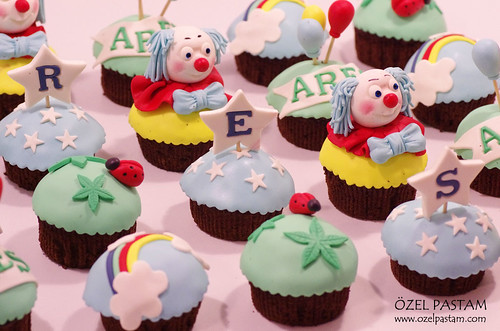 Ares'in Bahar Cupcakeleri