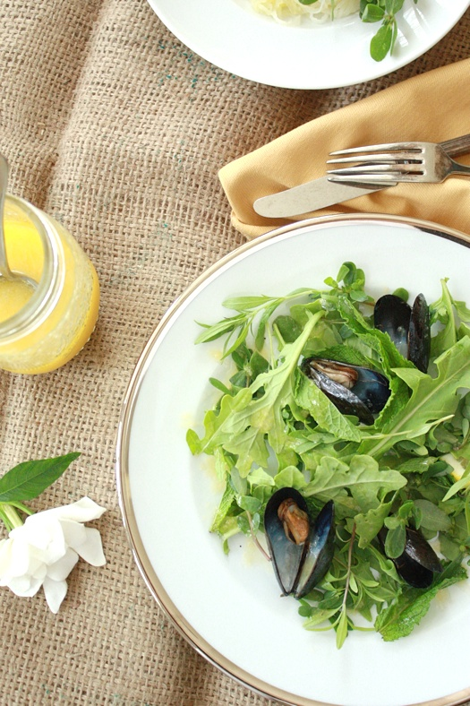 Herb Salad with Grilled Mussels