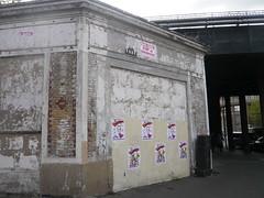 Space Invaders (PA_594) (Ausmoz) Tags: street urban streetart paris art wall tile mosaic space spaceinvader spaceinvaders tiles installation invader walls mur 75015 mosaique murs invaders installations urbain 594 mosaiques pa594