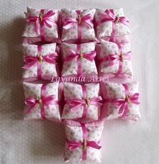 Sachê tom rosa (Lavanda Artes) Tags: handmade craft sachês chádebebê lembrancinha lembrancinhas sachê almofadinha lembrancinhabatizado lembrancinhadechádebebê almofadinhadupla sachêduplo sachêalmofadinha