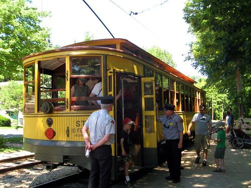 harriet-calhoun trolley