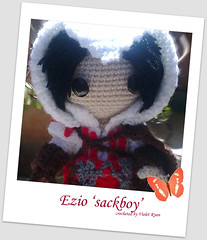 004 (violet ryan) Tags: doll crochet amigurumi creed ezio assassins auditore sackboy