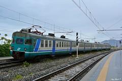 ALe 801 (Luigi Basilico) Tags: electric italian liguria ale bahnhof trains genova bahn linea fs stato 801 trenitalia ventimiglia italiane dello ferrovie dtr loano