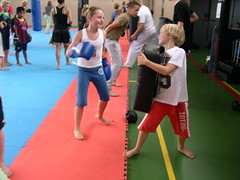 "zomerspelen 2013 karate clinic • <a style=""font-size:0.8em;"" href=""http://www.flickr.com/photos/125345099@N08/14406098054/"" target=""_blank"">View on Flickr</a>"