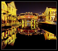 seeing double.. (PNike (Prashanth Naik..back after ages)) Tags: longexposure red sky reflection water colors night nikon asia vietnam hoian nightlight yello seeingdouble d3000 pnike yahoo:yourpictures=reflections
