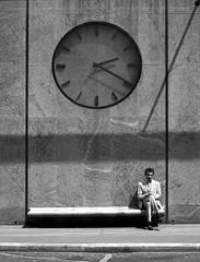 L'attente (Bernard Chevalier) Tags: street paris solitude time lumière ombre temps rue ville heure lhomme ponctuel