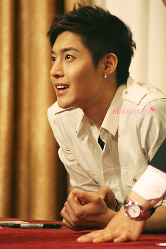 Kim Hyun Joong 'Break Down' Album Fan Signing Photos at Busan [110629]