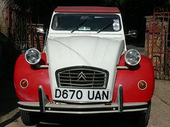 2cv Dolly D670UAN (C.Elston) Tags: blue red white forsale citroen engine hidden help devon exeter repair covered 2cv parked ruby rotten dolly 602 2cv6 wel373x d670uan b755caf