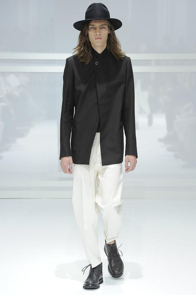 Marcel Castenmiller3304_SS12 Paris Dior Homme (VOGUEcom)