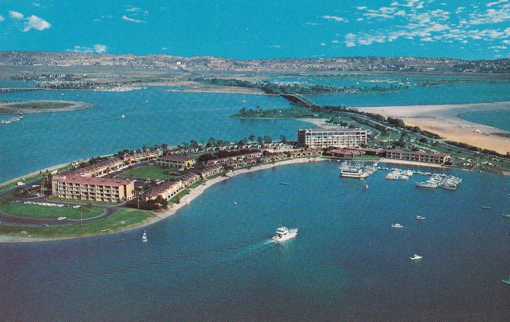 Bahia Motor Hotel San Diego postcard