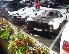Another Awesome Dorchester Combo (BenGPhotos) Tags: white black car r supercar v8 spotting cinque zonda koenigsegg combo roadster 555 v12 77777 pagani worldcars agera