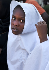 Girl In A White Veil Portrait, Lamu, Kenya (Eric Lafforgue) Tags: africa portrait color cute beauty vertical island photography kenya islam hijab culture unescoworldheritagesite teenager afrika surprised tradition afraid lamu concerned swahili afrique displeased adolescence eastafrica distraught qunia lamuisland lafforgue oneteenagegirlonly traveldestination africanethnicity kenyaafrica 1011years onegirlonly muslimislam whiteveil 1213years  qunia islamicveil  110962   kea exterioroutdoors   tradingroute blackethnicity a beautifulcutepretty