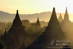 Sunset on Pagan (Around The Blue World) Tags: sunset pagoda burma myanmar coucherdesoleil pagan pagode birmanie