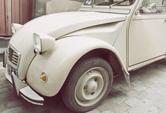Citroen 2CV in cream (GCF Photography) Tags: auto old france classic car vintage french classiccar vintagecar transport citroen cream automotive 2cv restored vehicle dolly