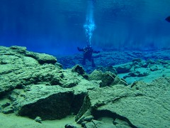 Diving Silfra 11