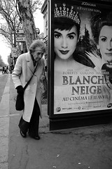 Once upon a time (vieweronline) Tags: street old people blackandwhite woman paris france monochrome noiretblanc streetphotography busshelter oldwoman candids snowwhite g12 blancheneige candidshots photosderue canong12