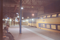 Meetzoeker_013 (burobraaf) Tags: analog train landscape ricoh trein viewfinder analoog meetzoeker