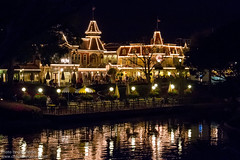WDW Mar 2012 - Wandering through Central Plaza (PeterPanFan) Tags: travel vacation usa night canon restaurant march mar spring orlando mainstreet florida year disney disneyworld 7d fl wdw waltdisneyworld mainst mk magickingdom 2012 mainstreetusa mainstusa disneypictures plazarestaurant disneyparks disneypics caseyscorner canoneos7d canon7d quickservicerestaurant counterservicerestaurant tableservicerestaurant