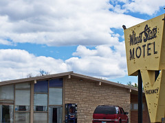 Vintage Wheat State Motel (buickstyle232) Tags: bestwestern motels oldsigns oldmotels mcphersonks vintagemotelsigns mcphersonkansas highway81bypass us56junction