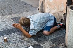 help me (Raymond Loyal) Tags: bettler armer mann street people outdoor reportage dokumentation spontan stadt city leben life prag tschechien