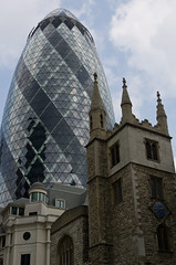 Old & New (GregoireC - www.gregoirec.com) Tags: england london church st architecture pentax andrew foster 30stmaryaxe partners k5 fosterandpartners undershaft smcpda1650mmf28edalifsdm