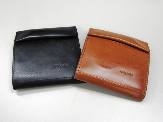 薄い財布 ブッテ―ロレザー