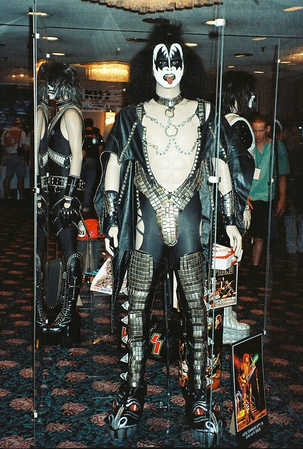 07-16-95 Kiss Convention - Bloomington, MN 007
