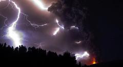 fotos-vulcao-chile-erupcao-impressionante-7 (Reporter Free Lance) Tags: chile argentina brasil buenosaires foto lan tam gol bariloche paraguai terremotos aeroportos voos aerolineas uruguiai nuvenscinzas fotoschile asmelhoresfotosvulcaochile fotovulcao fotoserupcao asfotosespetacularesdovulcao nuvemdecinzas
