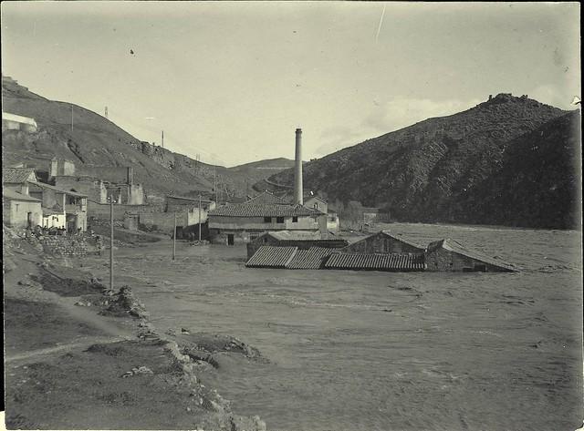 Crecida  del Tajo el 4-2-1912. Fotografía de D. Pedro Román Martínez. Diputación de Toledo, Centro de Estudios Juan de Mariana