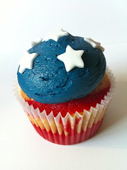 July 4th Cupcakes (Life is Sweet NI (Sarah)) Tags: blue red usa white cake glitter america stars cupcakes unitedstatesofamerica belfast zebra icing vanilla july4th independenceday frosting buttercream